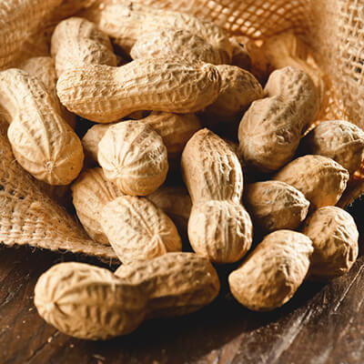4. Lạc (đậu phộng)
