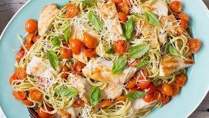 spaghetti pesto ga nuong